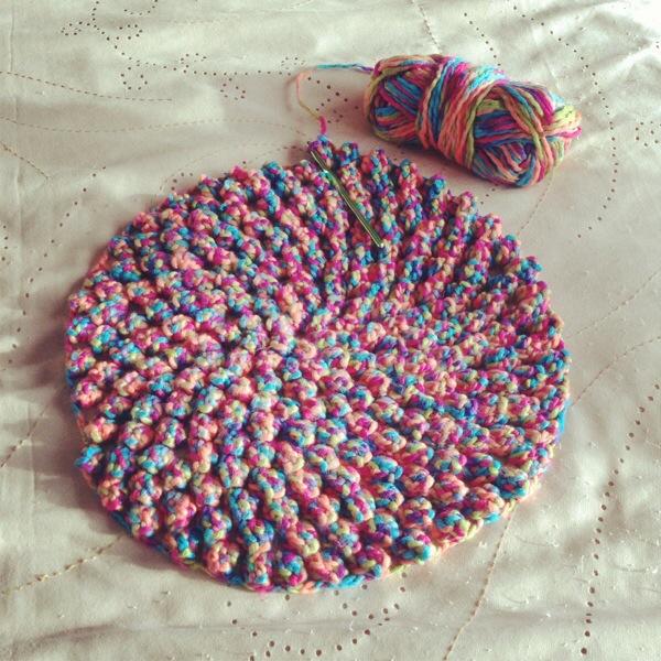 Crochet cushion ? PatternPiper.Com