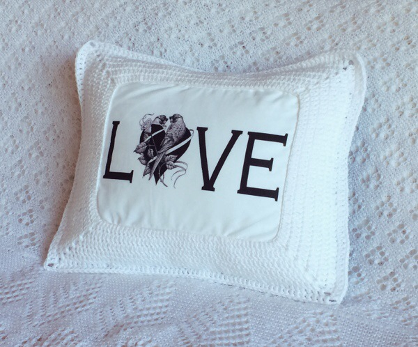 Love Cushion 01
