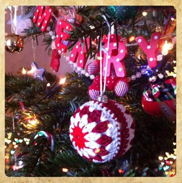 Crochet_baubles_04