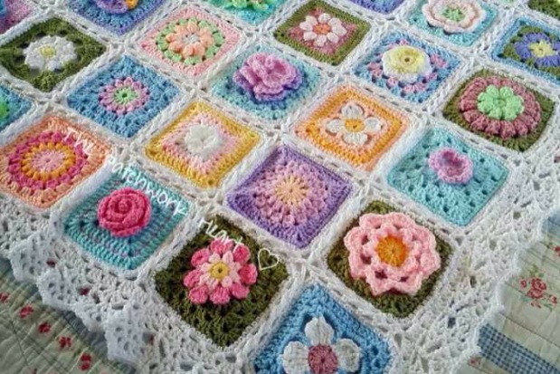 The Patchwork Heart IG Community Blanket 02