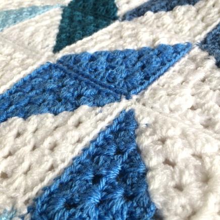 patternpiper blue and white herringbone blanket_