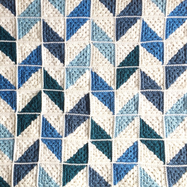 PatternPiper_Blue_White_Herringbone_Blanket_06